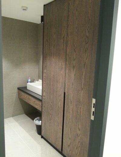 Mobilier sanitaire - ton bois flamé